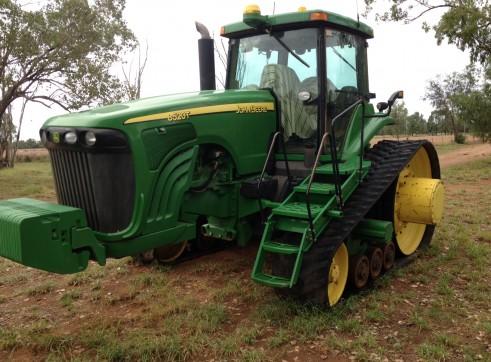 John Deere Tractor 8520T  3