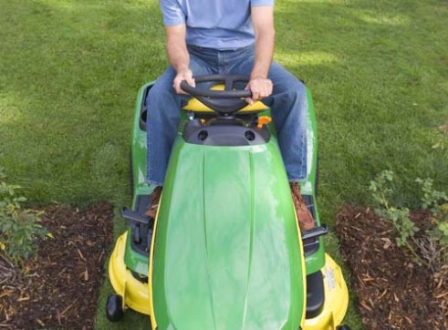 John Deere X300 Ride On Mower  2