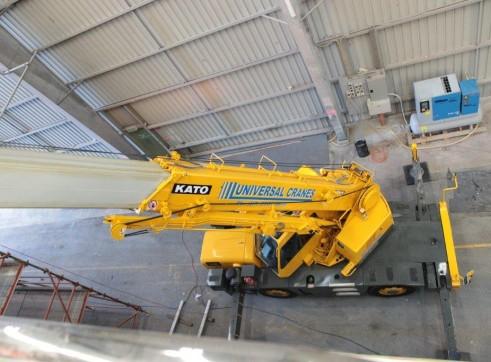 Kato MR130 13 Tonne City Crane 1