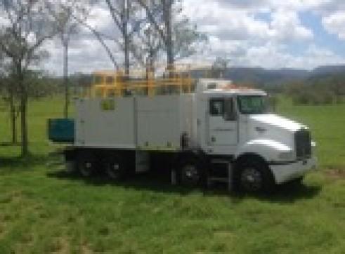 Kenworth 8x4 Service Truck 3