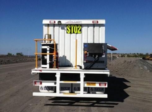 Kenworth 8x4 Service Truck 7