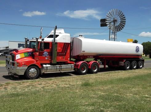 Kenworth & Tristar steel semi water tanker. 1