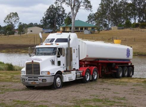 Kenworth & Tristar steel semi water tanker. 2