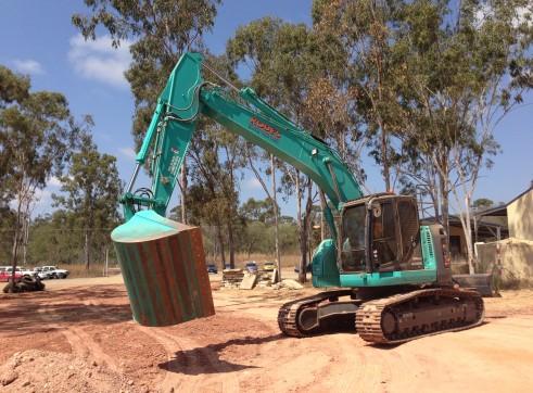 Kobelco 23T 235Sr Excavator 1