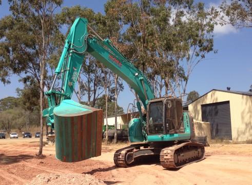 Kobelco 23T 235Sr Excavator 2