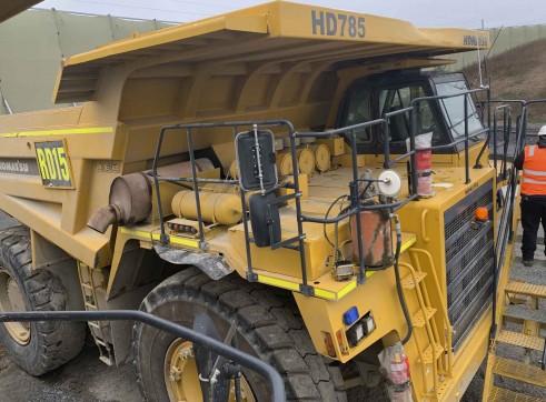 Komatsu 785 Dump Trucks 4