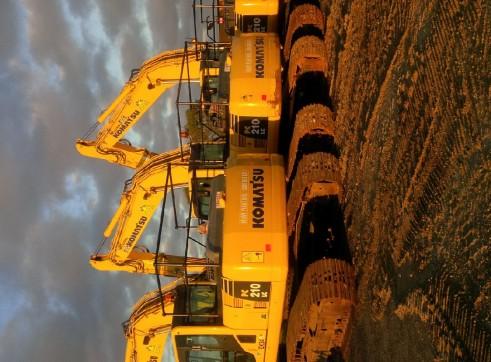 Komatsu PC210LC-8 Excavator 2