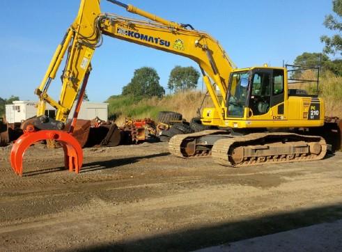 Komatsu PC210LC-8 Excavator 3