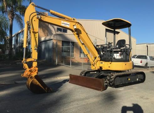 Komatsu PC35MR Mini Excavator, 3.8 Ton  2