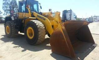 Komatsu WA480/CAT 972 Wheel Loaders 1