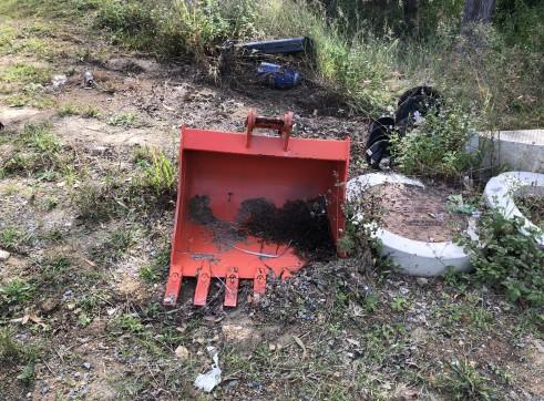 Kubota 5.5T Excavator w/full set buckets, ripper and auger drive 7