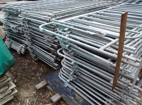 Large Lot Crowd Control Barriers. 160 separate barriers 3