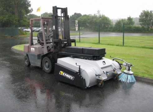 Leader Clean Collection Sweeper 1