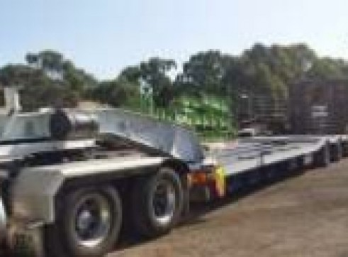 Low Loader - 4R8 + 2R8 Dolley - 70T payload