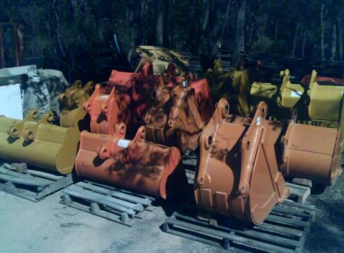 Machinery Attachments Buckets Tilt Sieve Screening Mud Trenching Rock 2