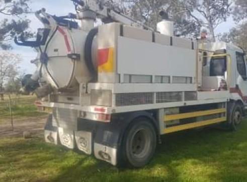 Mack Midlum Vacuum Truck 4