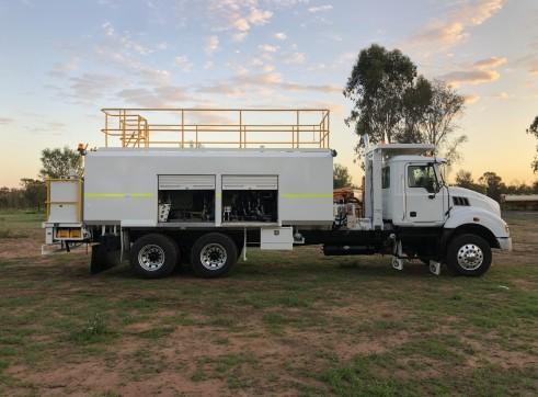 9,000L Mack Service Truck 5