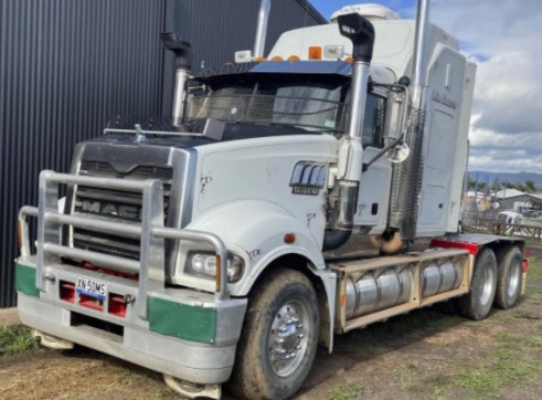Mack Trident Prime Mover - 120T road train rated 1