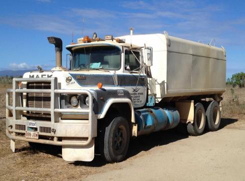 Mack Value Liner Prime Mover Truck 2