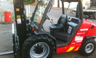 Manitou MH25 buggies for hire! 1
