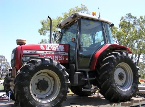 Massey Fergusson Tractor 1