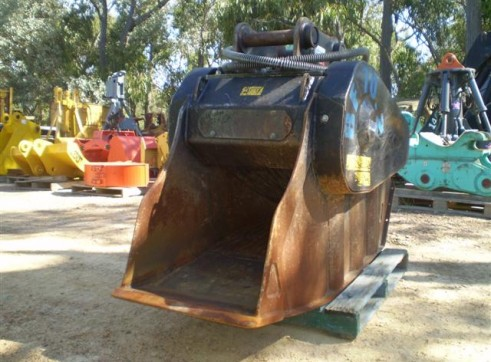 MB Crusher Bucket FOR HIRE OR SALE 3