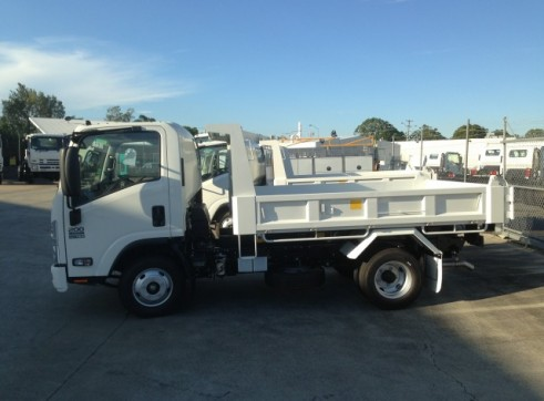Micro Combo - 2T Tipper w/trailer / Narrow 1T Excavator & Wheeled Skidsteer 2