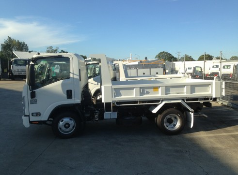 Micro Combo - 2T Tipper w/trailer / Narrow 1T Excavator & Wheeled Skidsteer 2