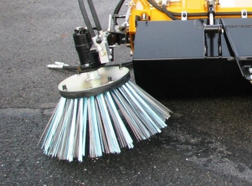 Microclean Collection Sweeper Brush 1