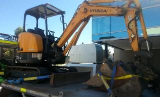 Mini Excavator 3 Tonne 1