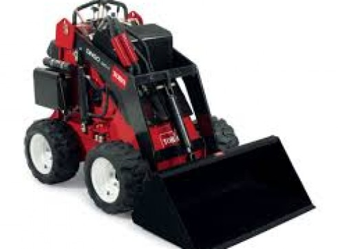 Mini loader/toro/dingo/kanga toro 320d 1