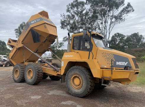 Moxy 30t dump Artic truck