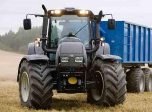 N122 & N142 Versu Series Valtra Tractor 2