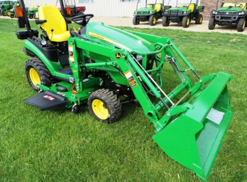 NEW 1025R,MFWD,HYDRO,H120 LOADER AND 60D DECK 2