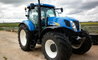 New Holland T7050 1