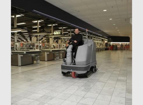 Nilfisk BR1100 – Ride On Scrubber (Battery) 1