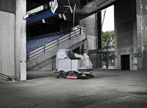 Nilfisk BR1100 – Ride On Scrubber (Battery) 2