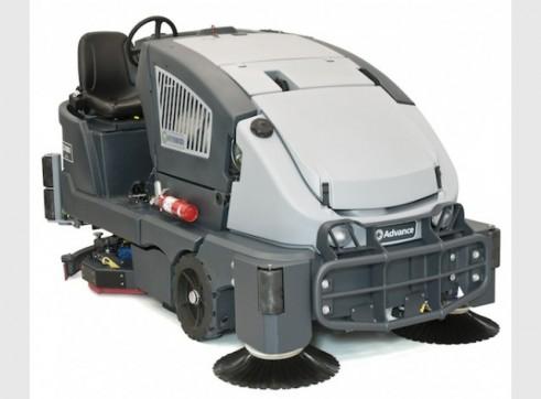 Nilfisk CS7000 – Ride On Sweeper / Scrubber 2
