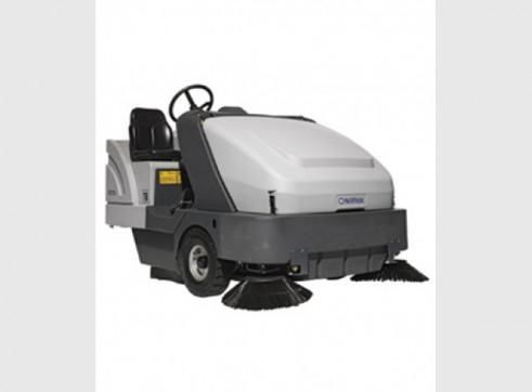 Nilfisk SR1601 – Ride On Sweeper Diesel / LPG / Battery 1