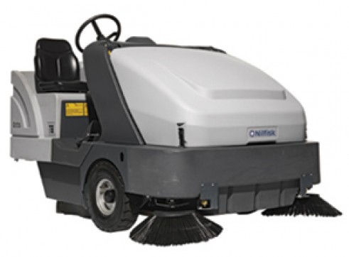 Nilfisk SR1601 – Ride On Sweeper Diesel / LPG / Battery 1