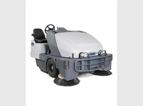 Nilfisk SW8000 – Ride On Sweeper Diesel or LPG 3
