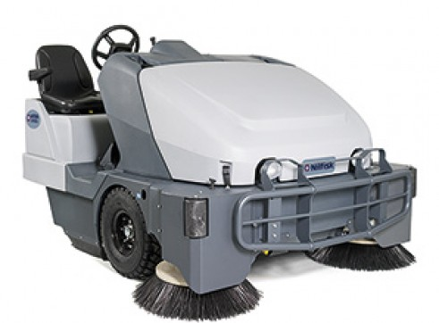 Nilfisk SW8000 – Ride On Sweeper Diesel or LPG 3
