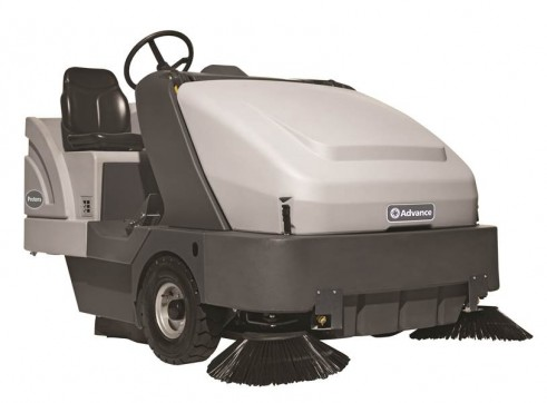 Nilfisk SW8000 – Ride On Sweeper Diesel or LPG 4
