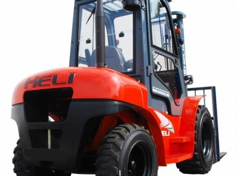 NSW Rough Terrian Forklift Rentals 5