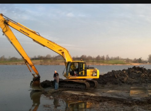 PC200 long reach Excavator with grab 2
