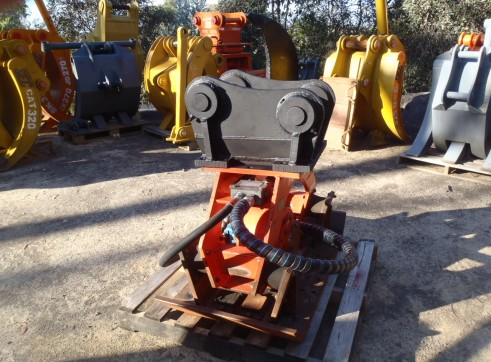Pneuvibe Compaction Plate for Hire 2