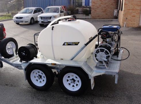 PRESSURE WASHER / WATER TRAILER COMBO 2