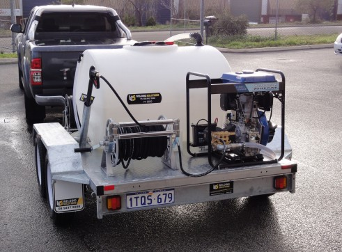 PRESSURE WASHER / WATER TRAILER COMBO 4