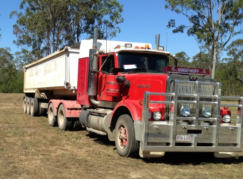 Prime Mover and 2 x semi end tippers 1