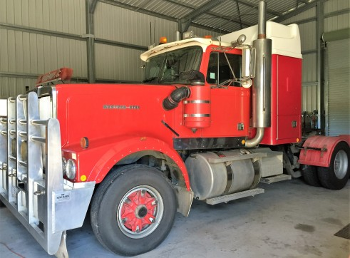 Prime Mover and 2 x semi end tippers 3